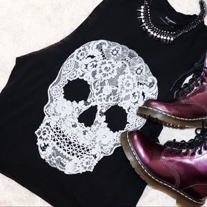 Express muscle tank with lace print skull